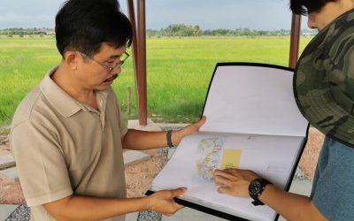 อาจารย์วิฑูรย์ ปัญญากุล ผู้เชี่ยวชาญด้าน Permaculture และประธานสมาพันธ์เกษตรอินทรีย์แห่งเอเชีย เข้าเยี่ยมชมความคืบหน้าในการปรับปรุงภูมิทัศน์